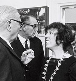 from left to right; Simon Vestdijk, Geert Lubberhuizen and Bibeb during the celebration is Vestdijk's 70th birthday in the Typographical Museum. Foto: Wolson, 21-10-1968 (Letterkundig Museum, Den Haag).