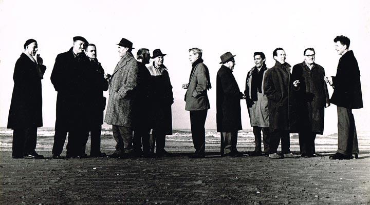 Groepsfoto van Fugare, v.l.n.r.: Theo van der Nahmer; Jaap Nanninga; Harry Disberg; Joop Kropff; George Lampe; Frans de Wit; Theo Bitter; Jan van Heel; Nol Kroes; Aart v.d. IJssel; Willem Hussem en Wim Sinemus